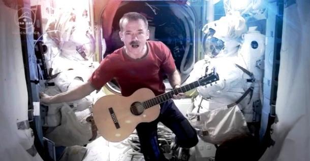 astronaut chris hadfield sings david bowie s space oddity